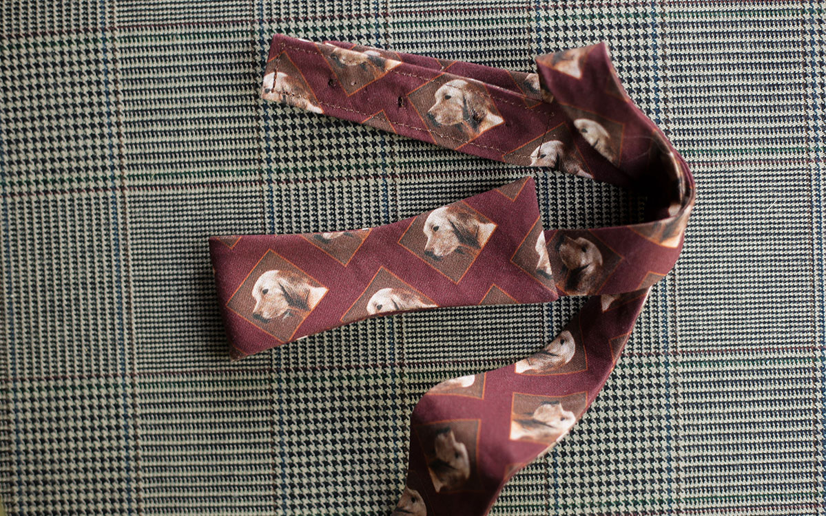 dog-bow-tie-burgundy-folded-product-gallery-image-02