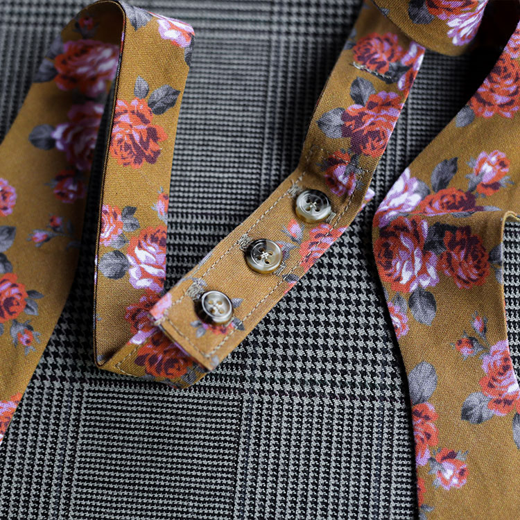 floral-bowtie-gold-product-image-buttons