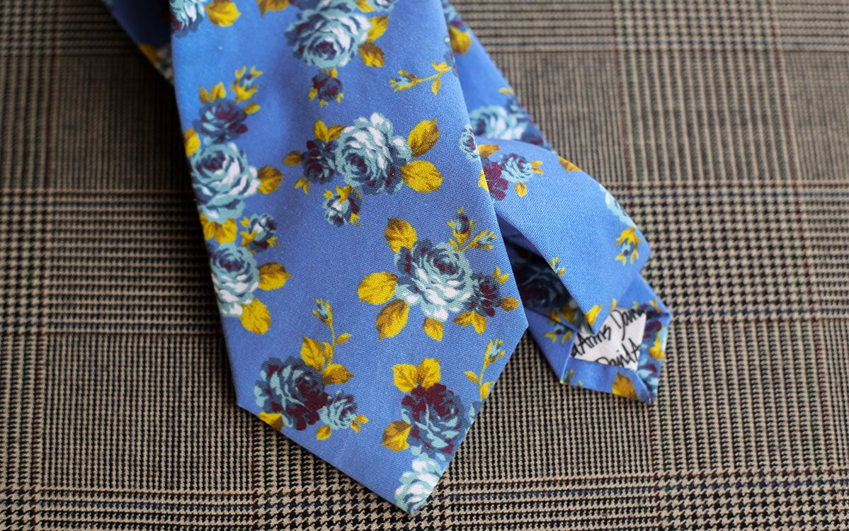 floral-necktie-blue-backside-product-gallery-image-02