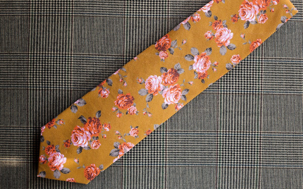 floral-necktie-gold-backside-product-gallery-image-01