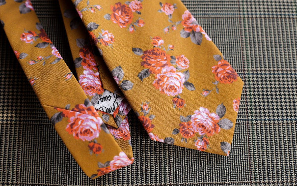 floral-necktie-gold-backside-product-gallery-image-02