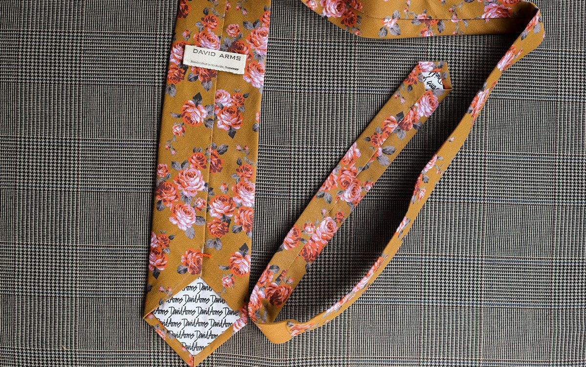 floral-necktie-gold-backside-product-gallery-image-03