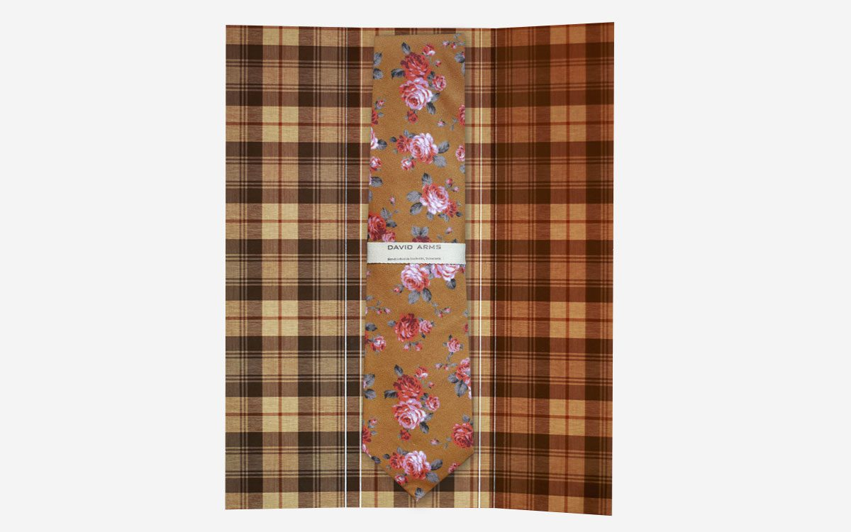 floral-necktie-gold-in-box-product-gallery-image