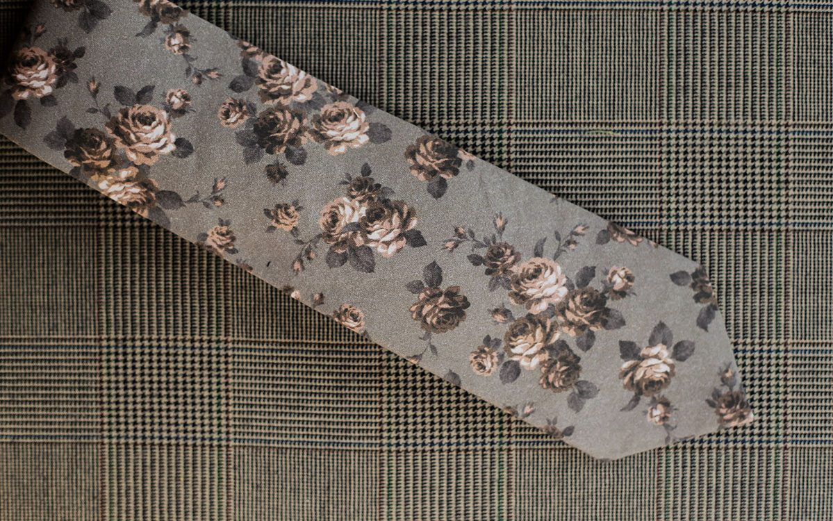 floral-necktie-grey-backside-product-gallery-image-01