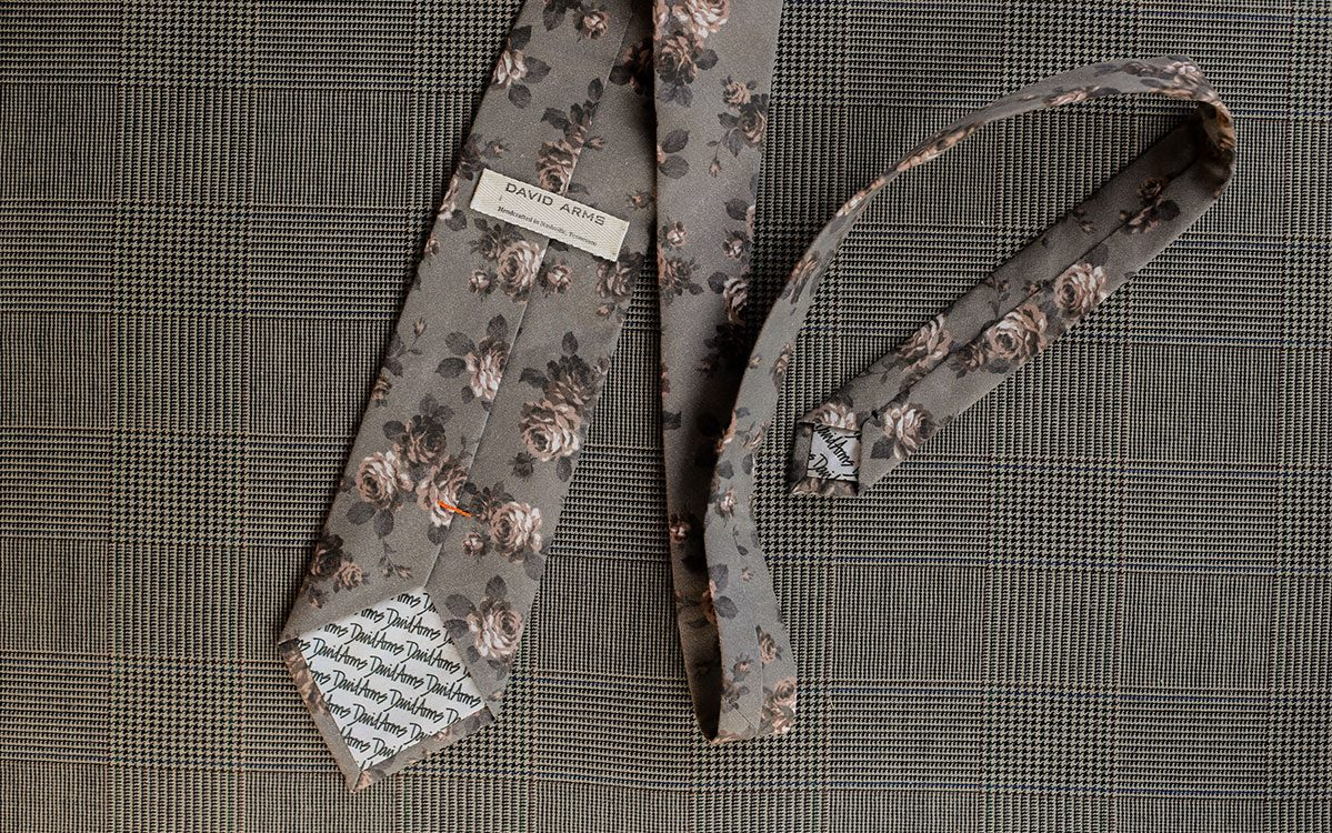 floral-necktie-grey-backside-product-gallery-image-03