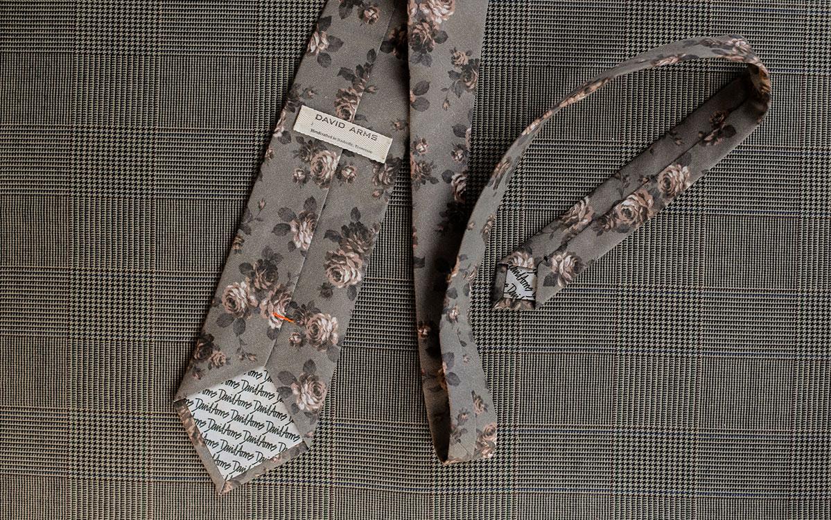 floral-necktie-grey-backside-product-gallery-image-03