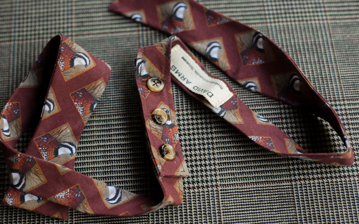 quail-bow-tie-rust-folded-product-gallery-image-03