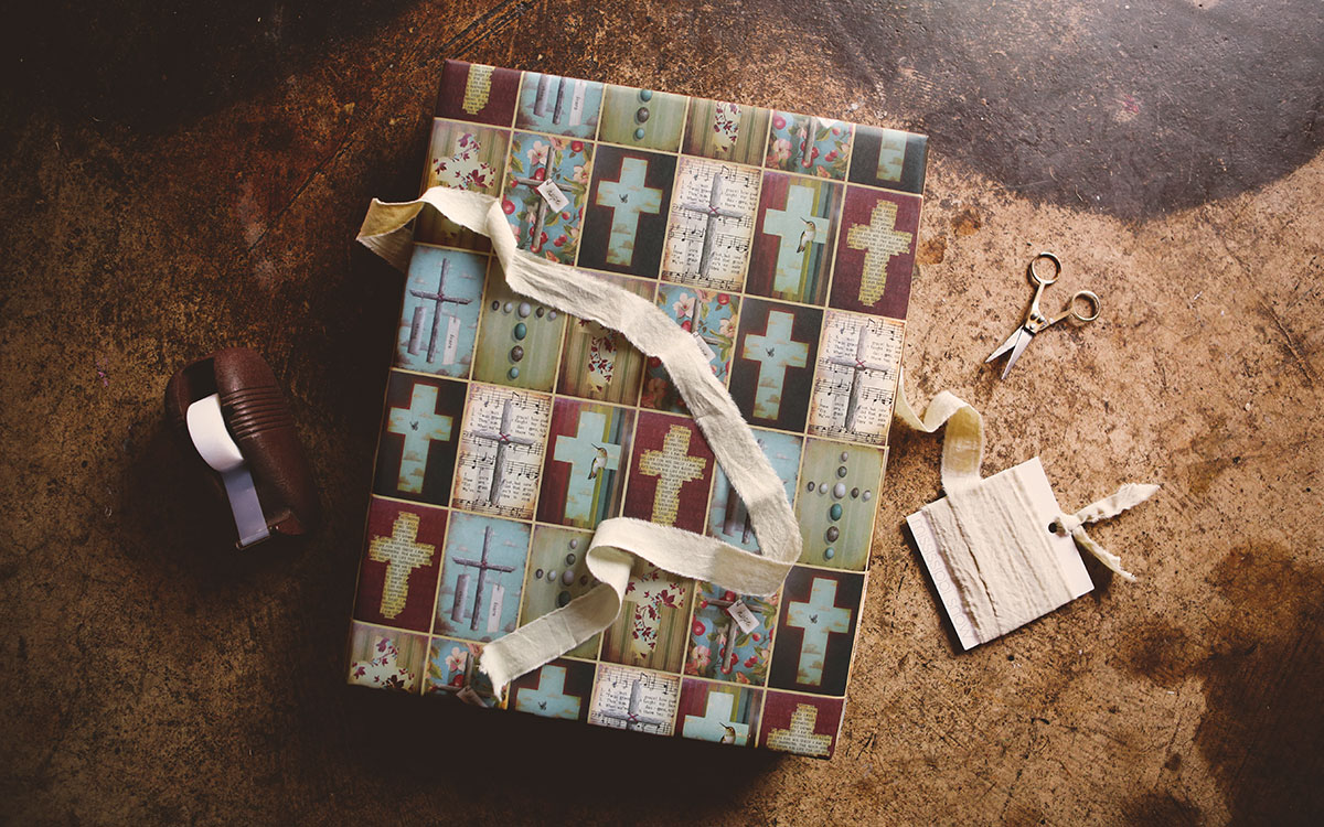 crosses-lifestyle-product-gallery-image