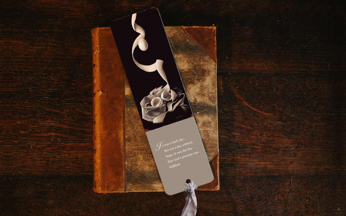 risen-bookmark-product-gallery-image-lifestyle