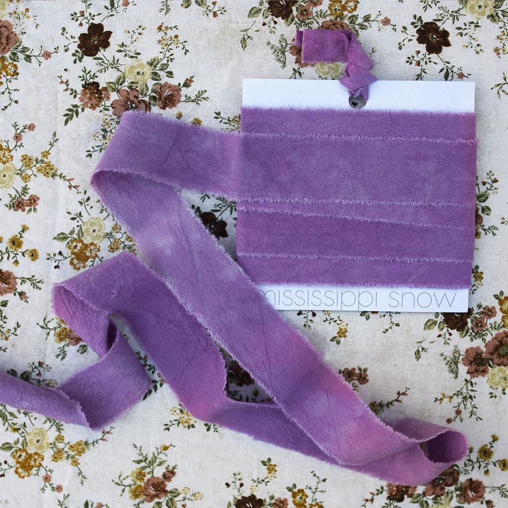 ida-mary-regular-product-image-lifestyle-flower-pattern