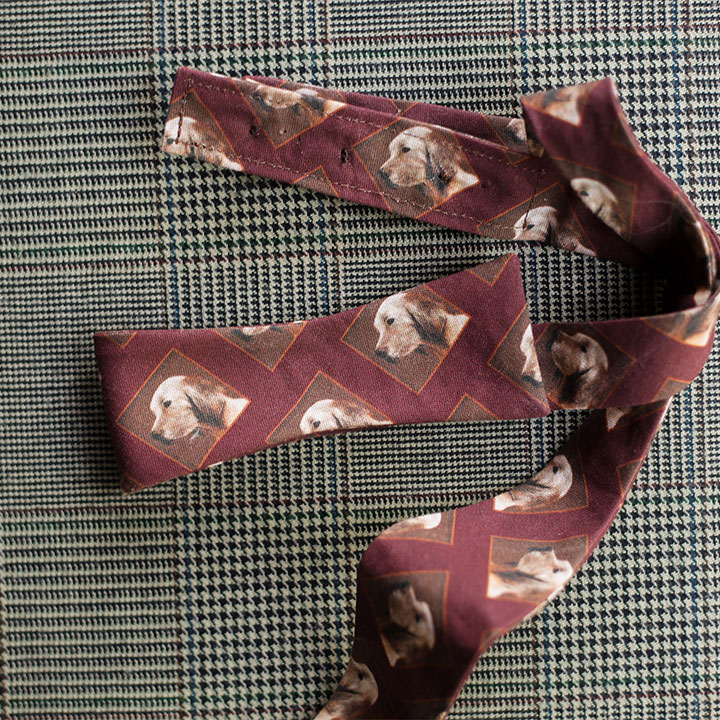 dog-bowtie-burgundy-product-image-hover