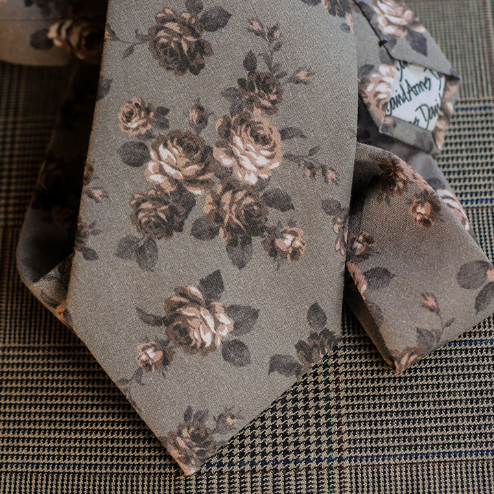 floral-necktie-grey-product-image-hover