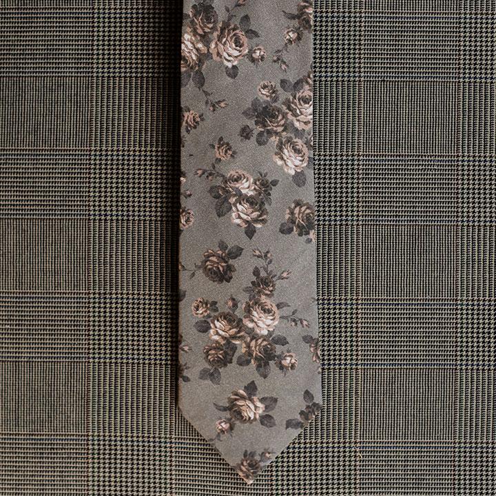 Floral Necktie (Grey)