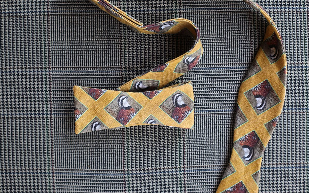 quail-bow-tie-yellow-folded-product-gallery-image-02