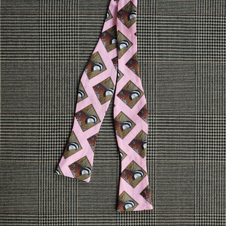 Quail Bow Tie (Pink)