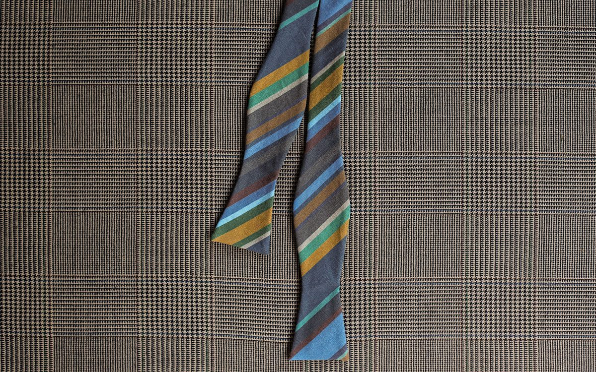 stripes-bow-tie-blue-product-gallery-image-01