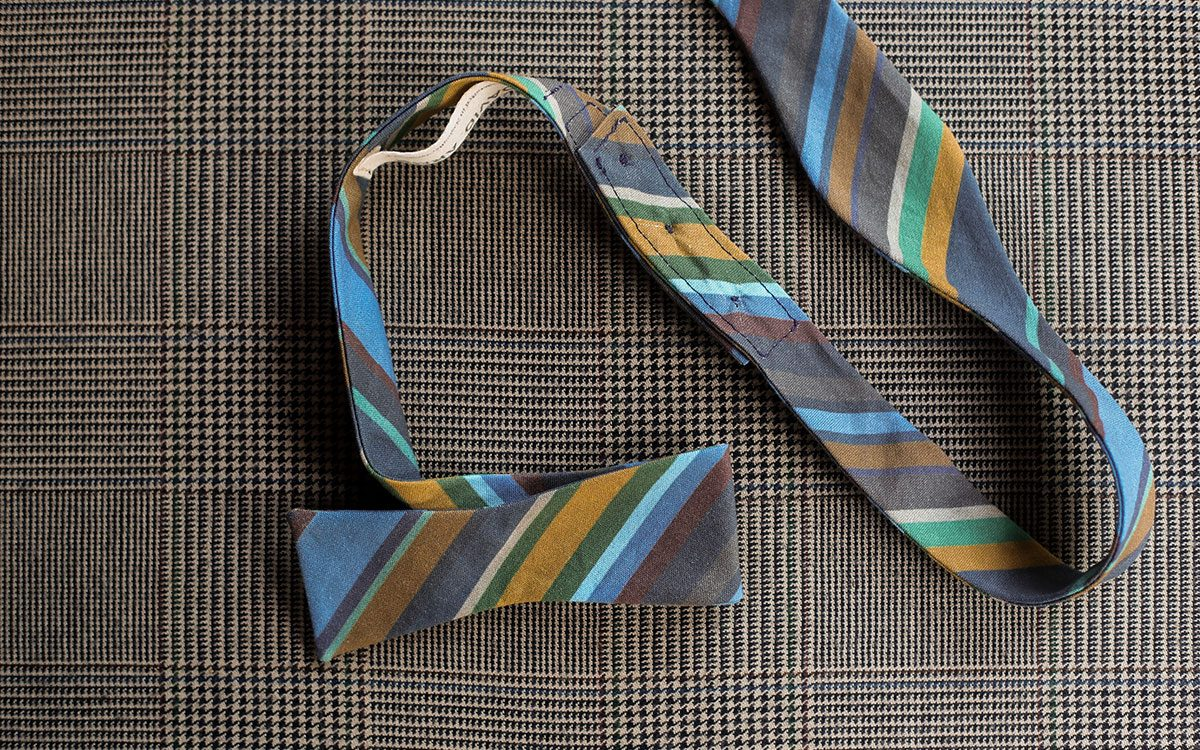 stripes-bow-tie-blue-product-gallery-image-02