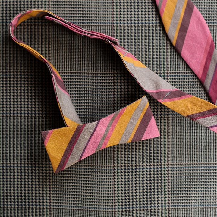 stripes-bow-tie-pink-gold-product-image-hover