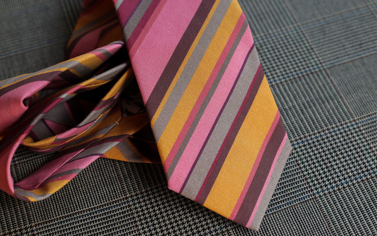 stripes-necktie-pink-gold-product-gallery-image-02