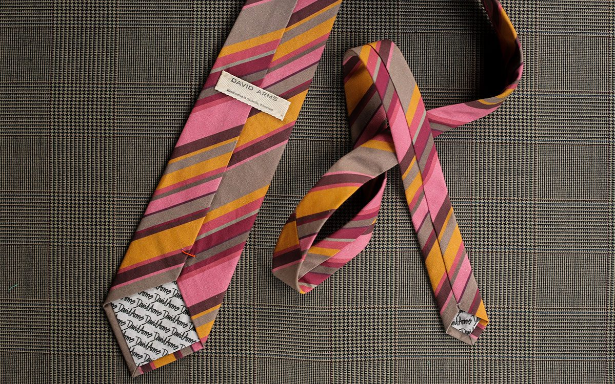 stripes-necktie-pink-gold-product-gallery-image-03