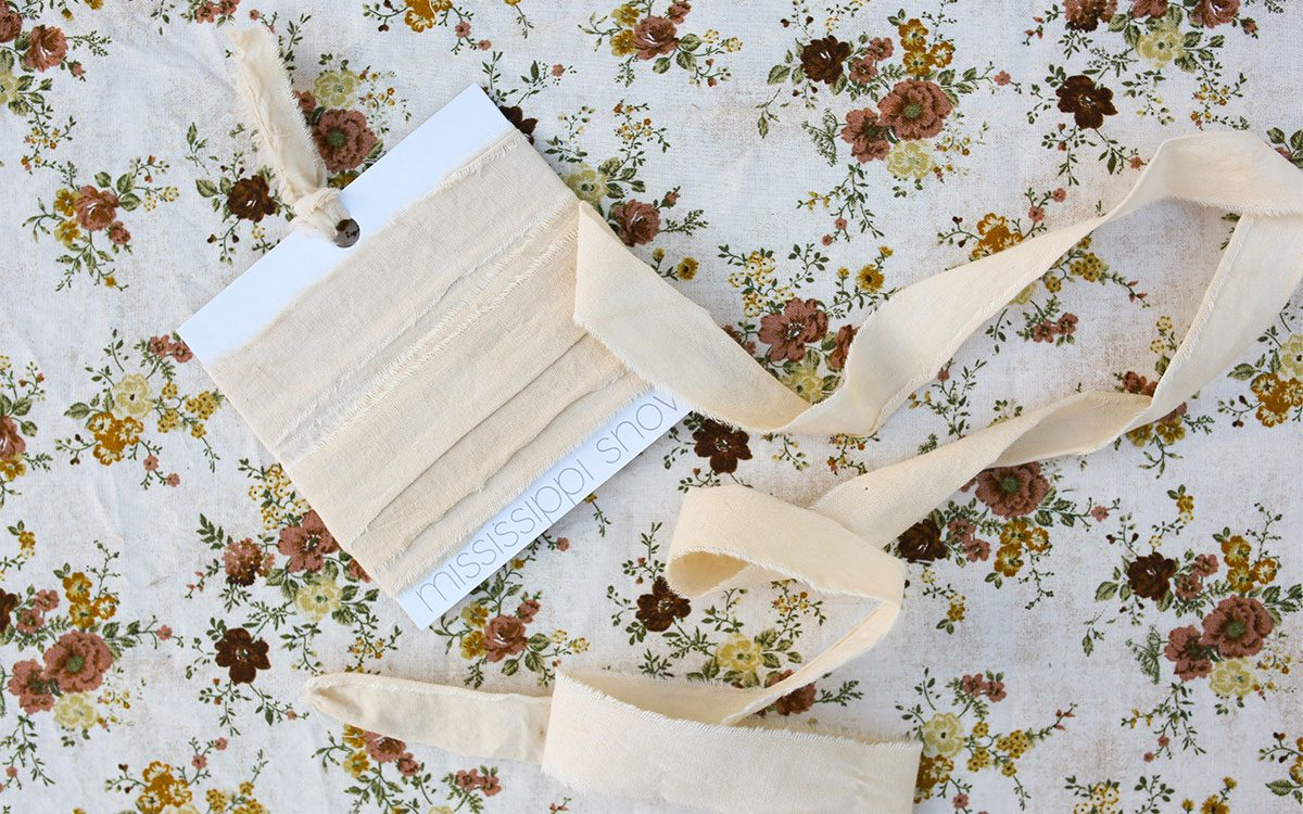 wilbur-regular-product-gallery-image-lifestyle-flower-pattern