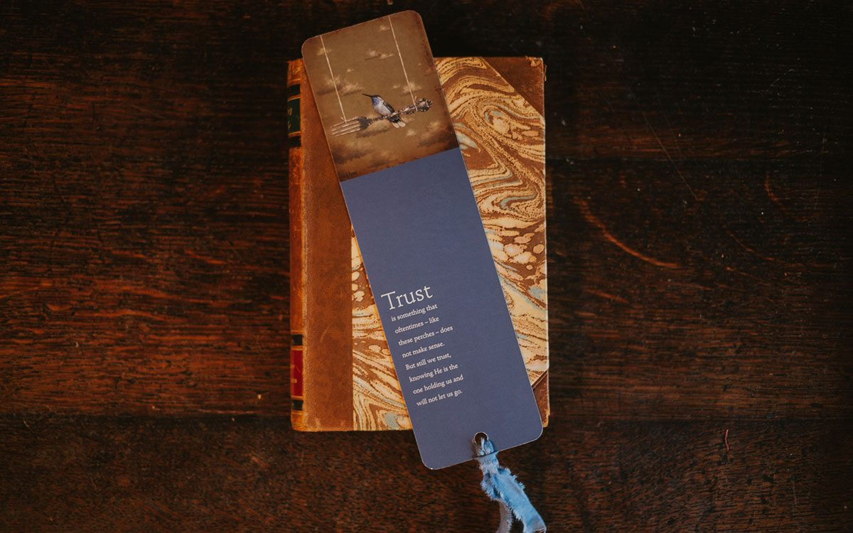 trust-fork-bookmark-product-gallery-image-lifestyle
